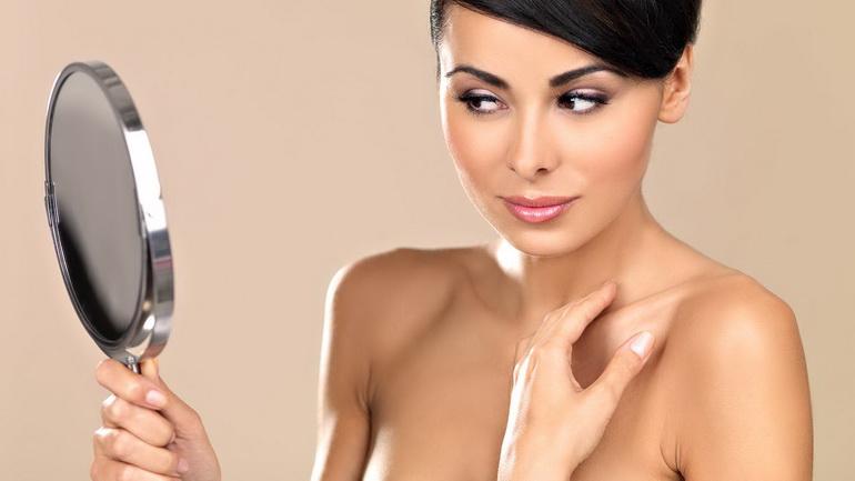 Подтянутая кожа тела у женщины