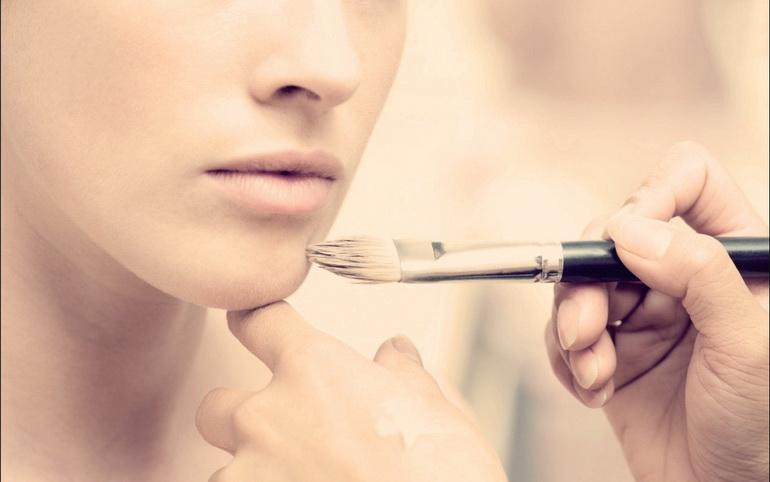 макияж тональным кремом