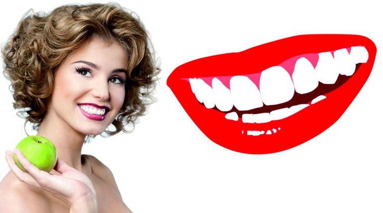 девушка отбелила зубы в домашних условиях