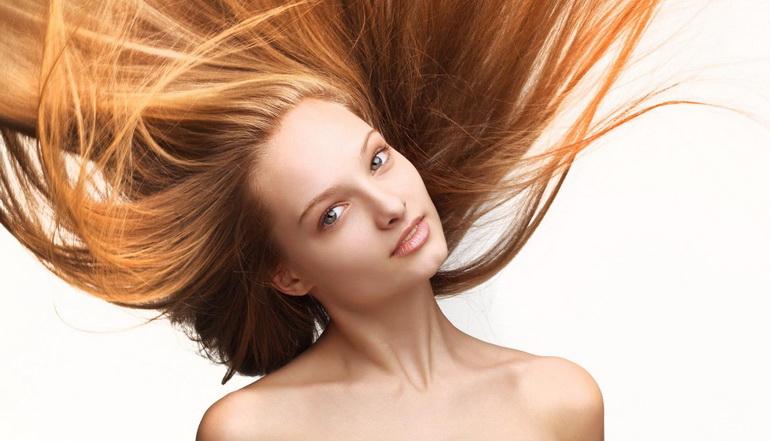 девушка увеличила объём волос в домашних условиях