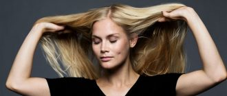 девушка придает объем тонким волосам