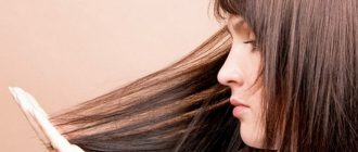 Девушка не знает, что делать, если волосы быстро жирнеют